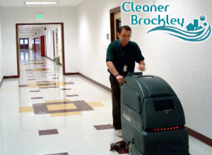 floor-cleaning-with-machine-brockley